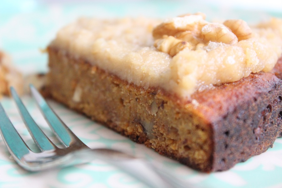 vegan-carrot-cake-with-cashew-frosting-3